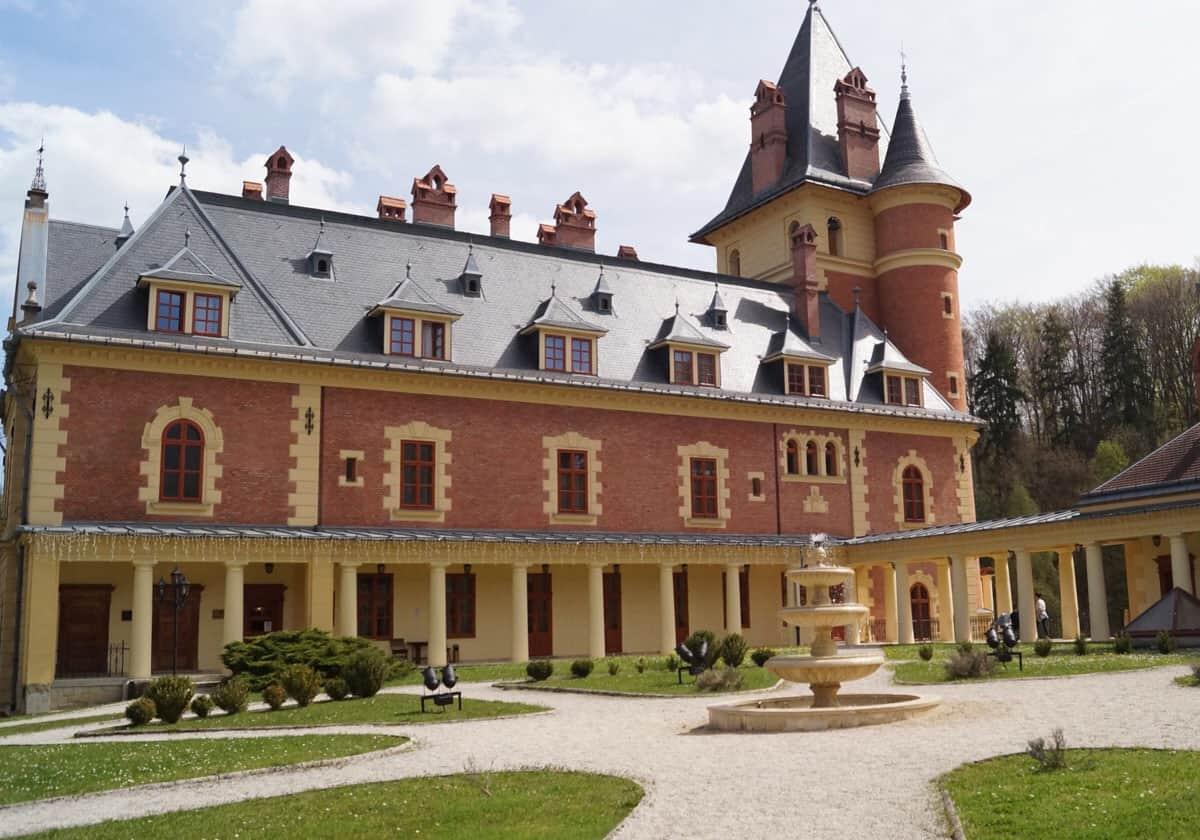 Nyíri Andrea egyedi ékszer Károlyi kastély